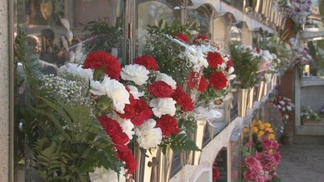 L'Ajuntament podria licitar els cementiris del Vendrell
